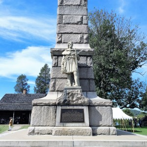 Monument commemorating the Battle of Point Pleasant